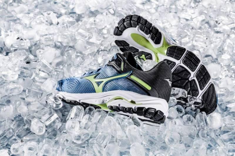 Mizuno Wave Inspire 15 รองเท้าวิ่งสำหรับผู้ชาย